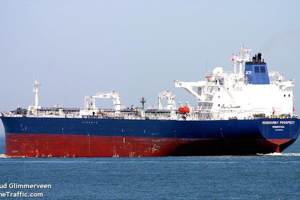 Iš tanklaivio išgabeno susižalojusį rusą