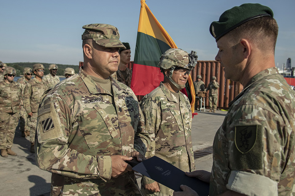 Klaipėdoje padėkota išvykstančiai JAV karių pamainai