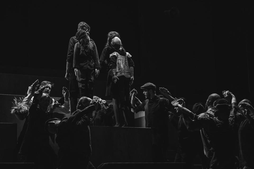 """Teatro dienos proga – spektaklio """"Mūsų klasė"""" videoperžiūra"""