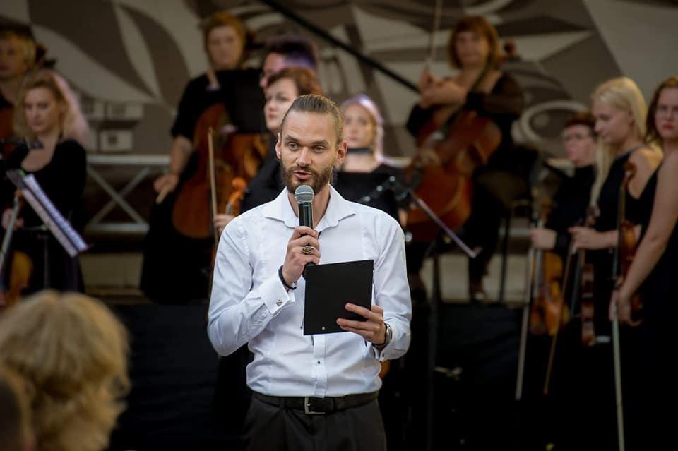 Vytauto Mačernio eilės susijungs su muzika