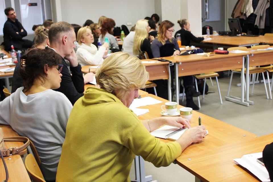 Mokys ugdyti socialiai sąmoningą moksleivį