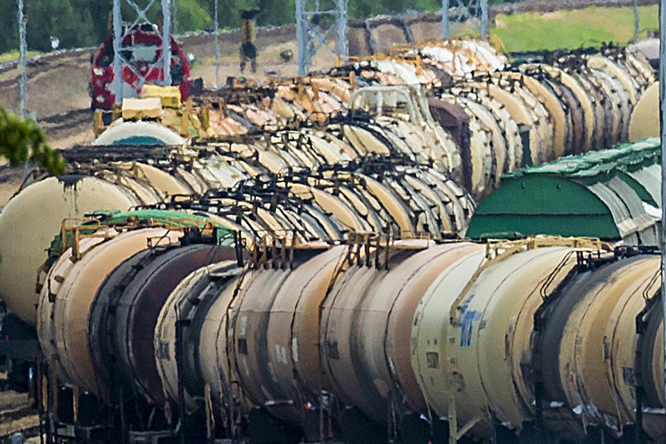 Rimkuose iš traukinio cisternos išsiliejo apie 10 tonų dyzelino (atnaujinta)