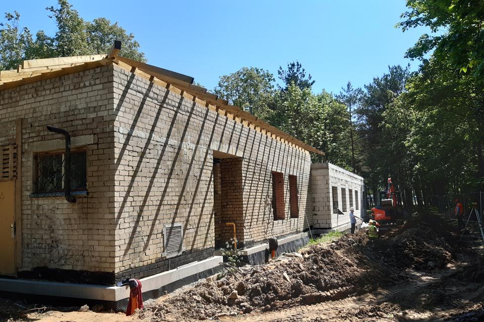 Nauji nakvynės namai Kretingoje – rudenį