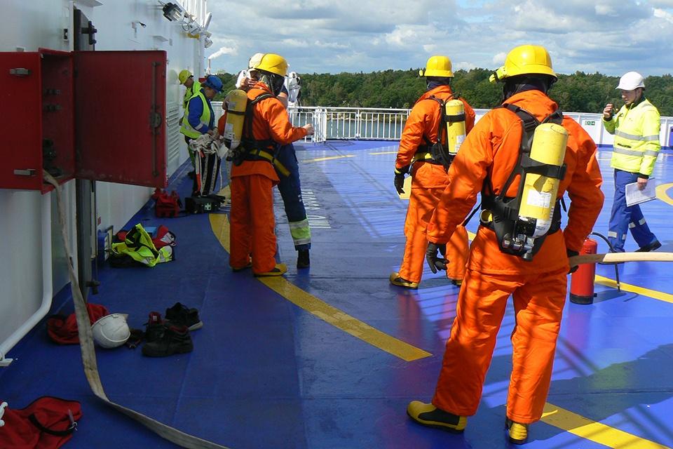 Jūreivystės mokyklos atstovai stažavosi kelte