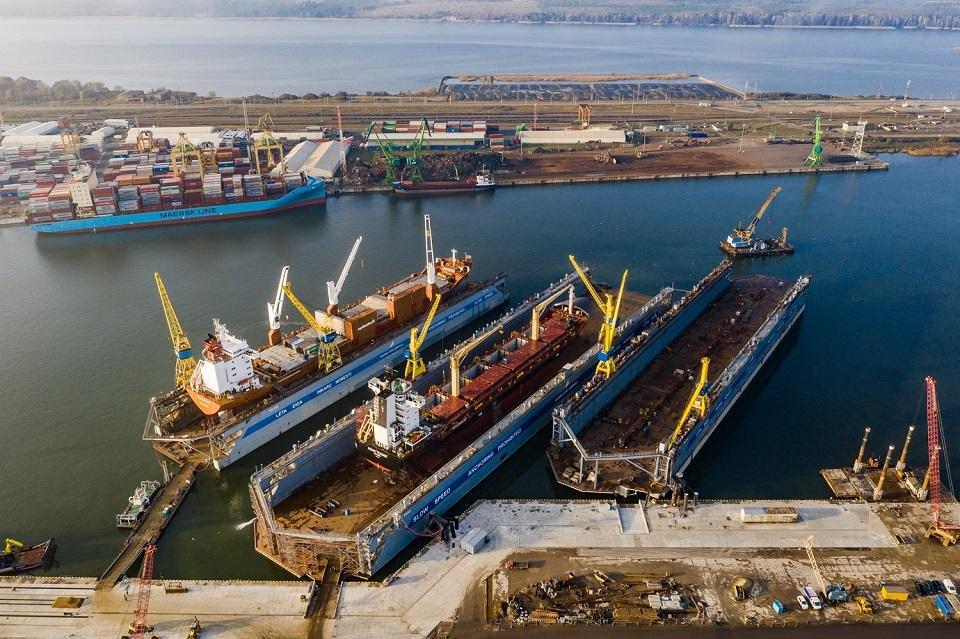 """Baigiamas antrasis """"Panamax"""" laivų remontui skirtas dokas"""