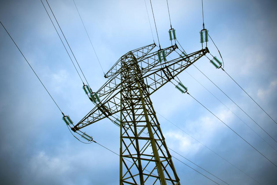 Paaiškėjo, kiek brangs elektra ir dujos