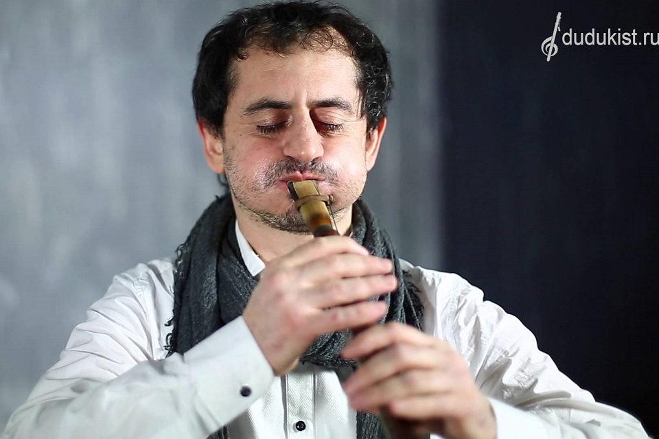 Bacho ir armėniškos muzikos sintezė