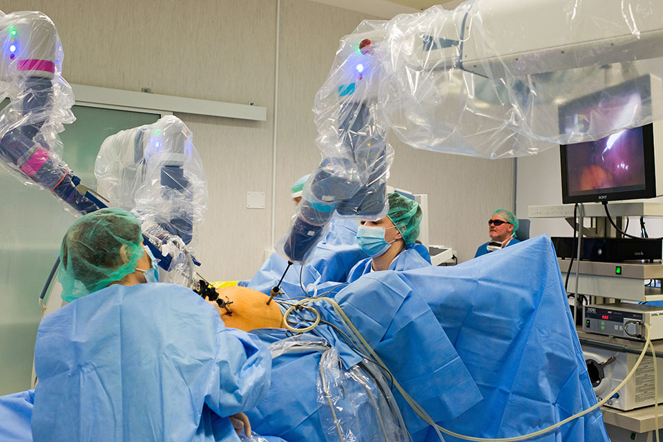 Klaipėdos universitetinėje ligoninėje jau atlikta 500 robotinių operacijų