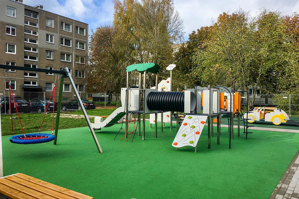 Город преображается: в южных районах Клайпеды появились новые детские площадки