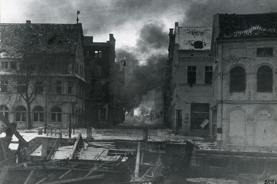 Pirmieji pokario Klaipėdos mėnesiai: antihigieniškos gatvės ir rinkliavos