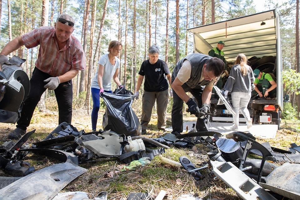 Nacionaliniuose parkuose  surinkta 15 tonų šiukšlių