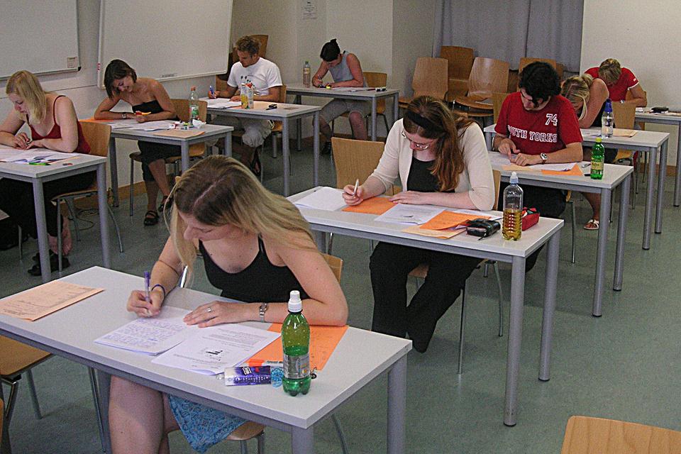 Šiemet brandos egzaminai prasidės anksčiau – birželio 7 d.
