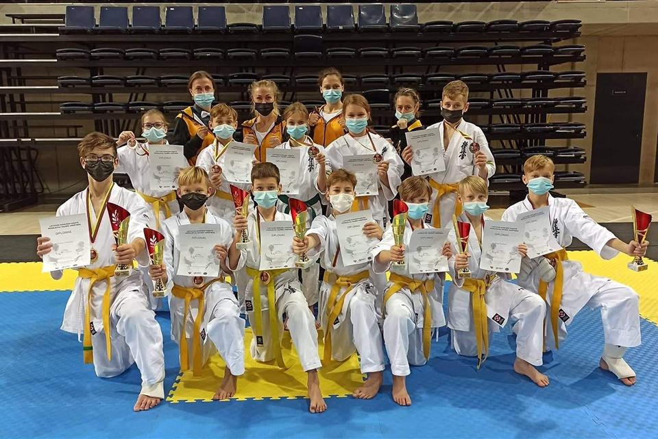 """""""Okinavos"""" kovotojai – tarp stipriausiųjų šalies moksleivių"""