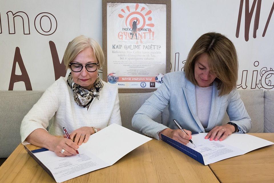 """""""Aditės"""" paramos dėka Delfinų terapijos centras plečia veiklą"""