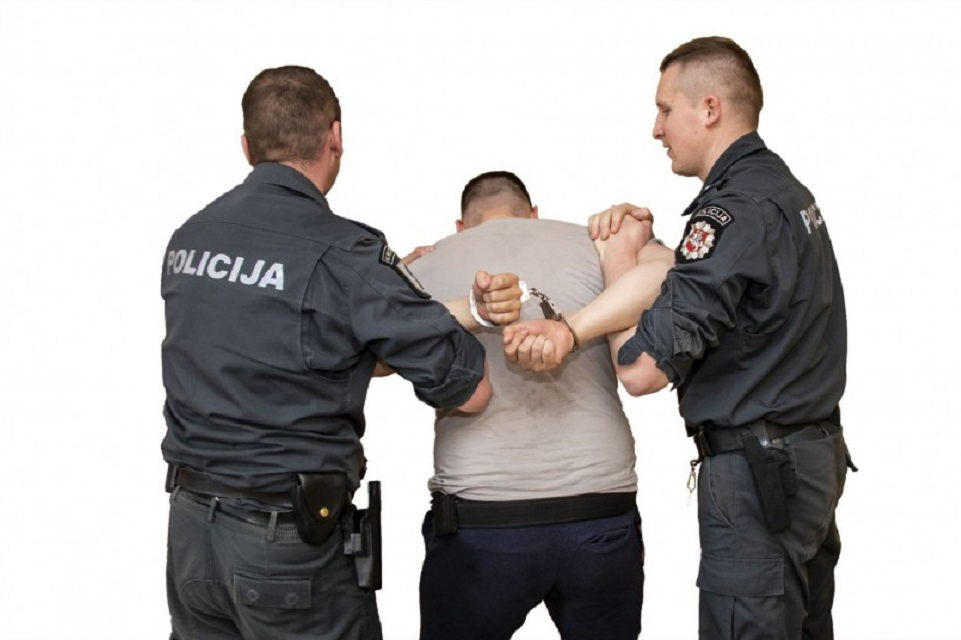 Klaipėdoje sulaikytas automobilius niokojęs paauglys