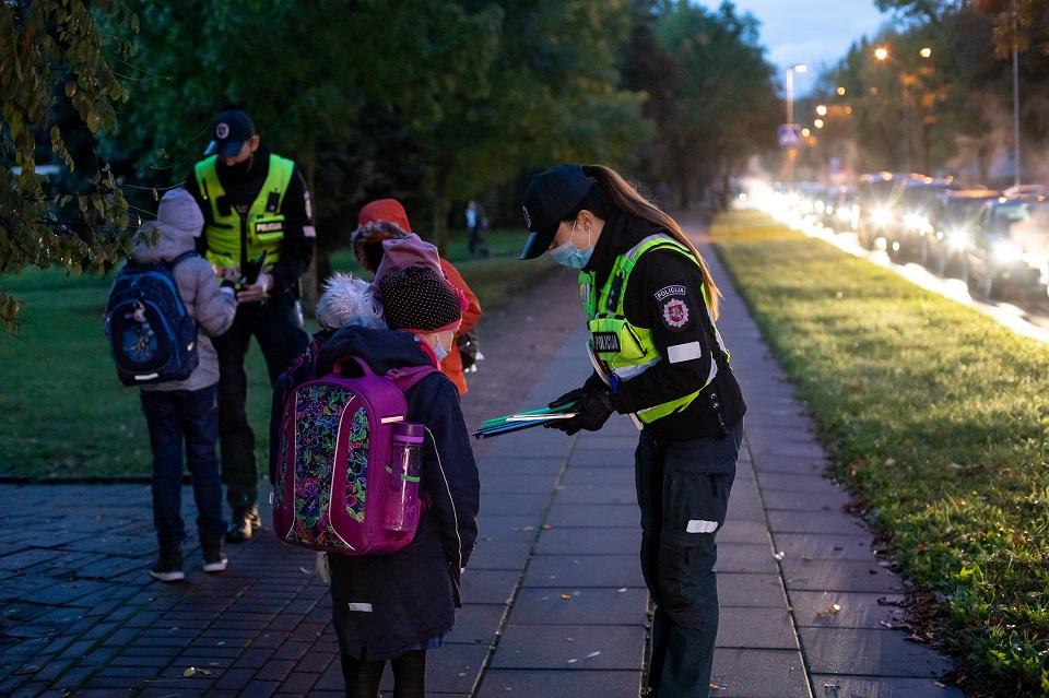 Europos saugaus eismo dieną dalijo atšvaitus