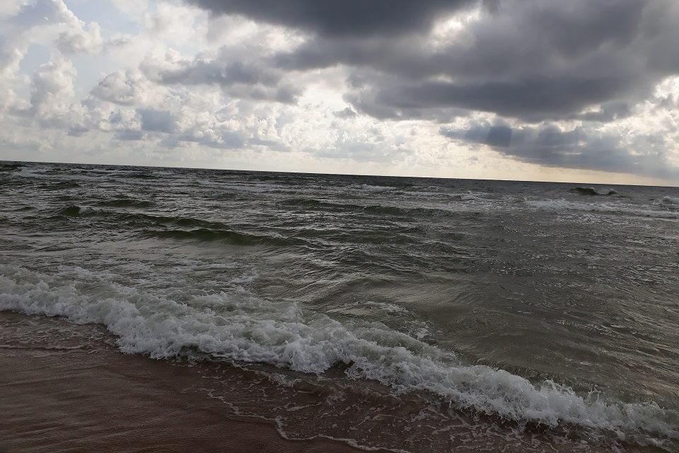 Jūroje maudytis draudžiama, Smiltynėje išgelbėta mergaitė (atnaujinta)
