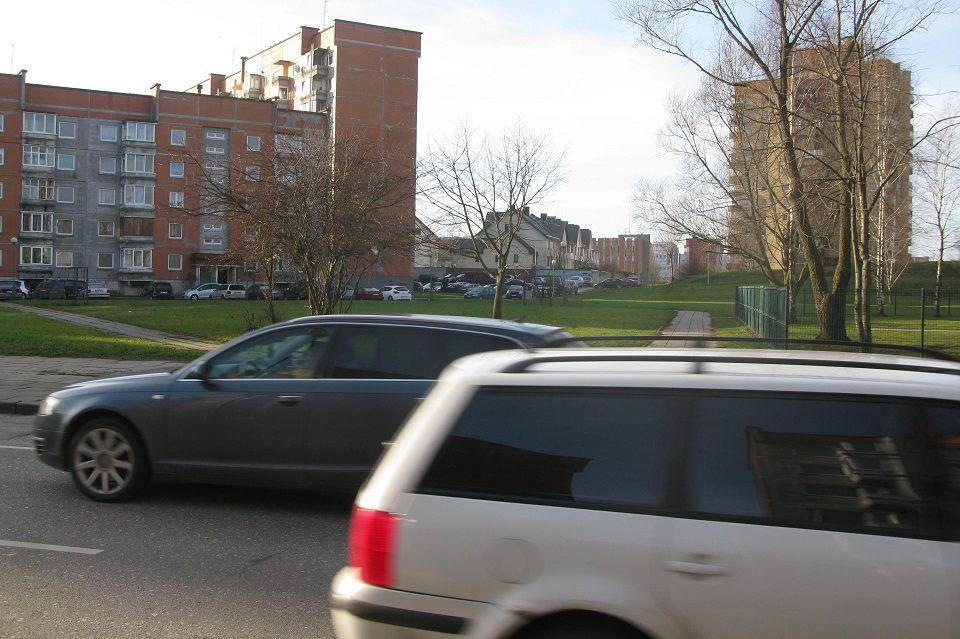 Policija moteriai skyrė baudą už greičio viršijimą, nors automobilis buvo servise