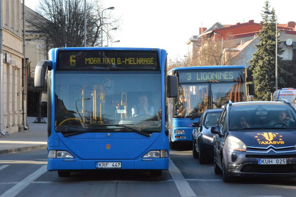 Dėl Kovo 11-osios autobusai važiuoja kitaip