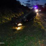 Girto vairuotojo automobilis atsidūrė griovyje