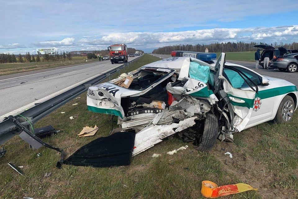 Autostradoje – didelė avarija: sužeisti keturi žmonės