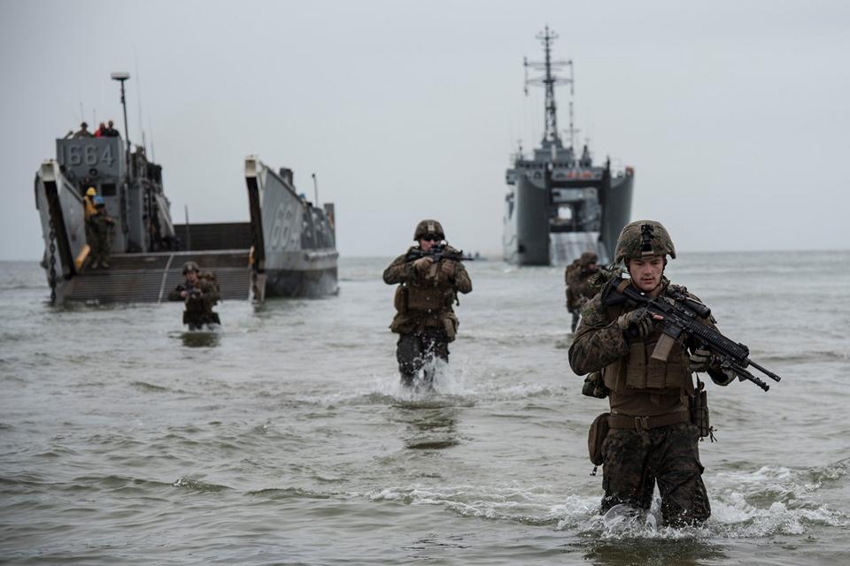 Nemirsetos paplūdimyje vyko karių išsilaipinimo operacija