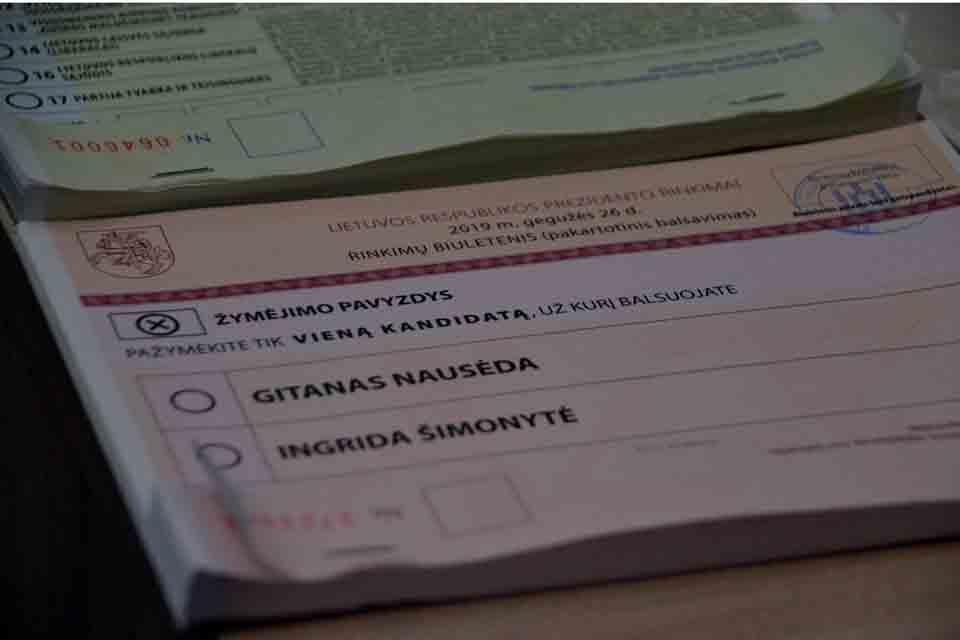 Prasidėjo išankstinis balsavimas prezidento ir Europarlamento rinkimuose