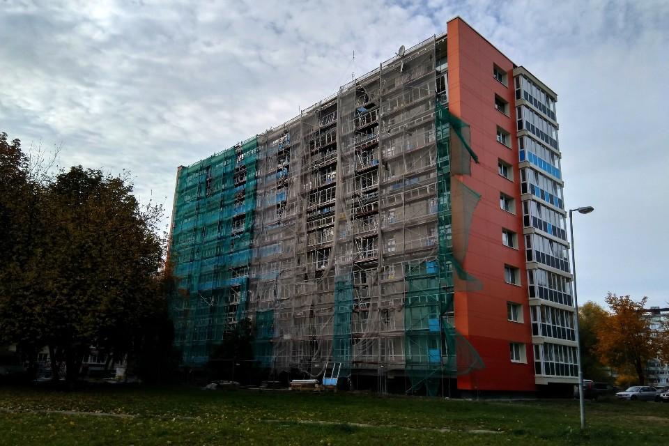 Po renovacijos devynaukščio balkonai pakibo ore
