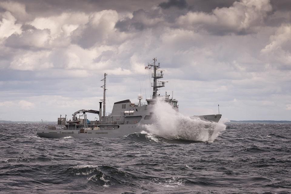 BALTRON pratybos vyko jūroje siaučiant audrai