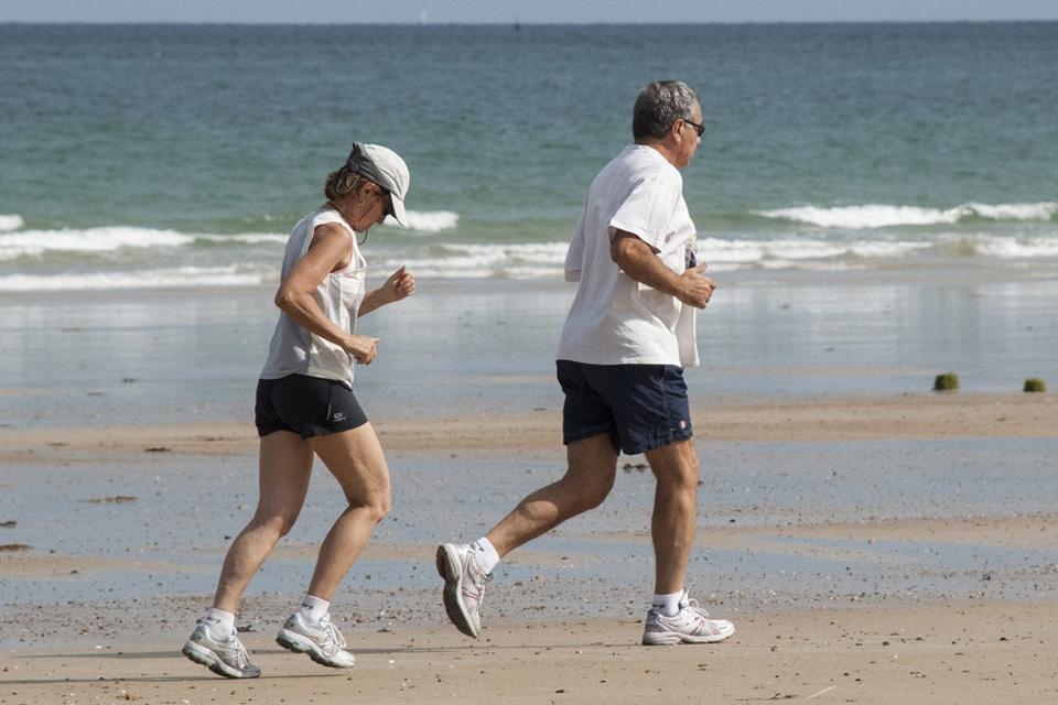 Lengvosios atletikos veteranai kviečia vyresnius klaipėdiečius į sporto šventę