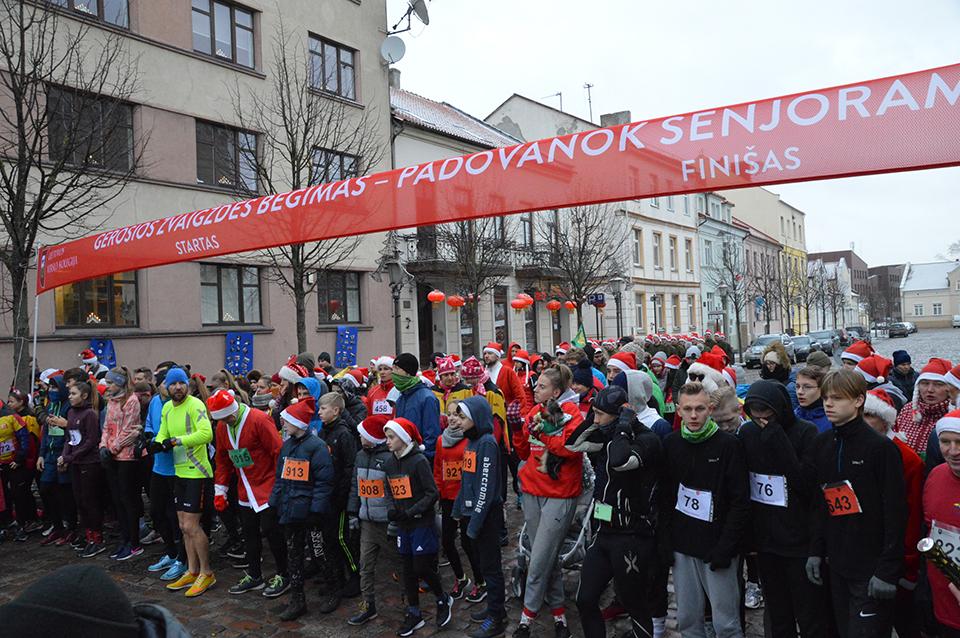 Nuvilnijo tradicinis labdaringas bėgimas