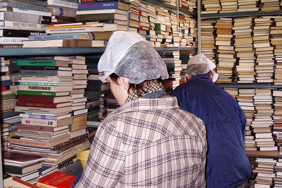 Bibliotekos istorija: persikraustymas ir atidarymas