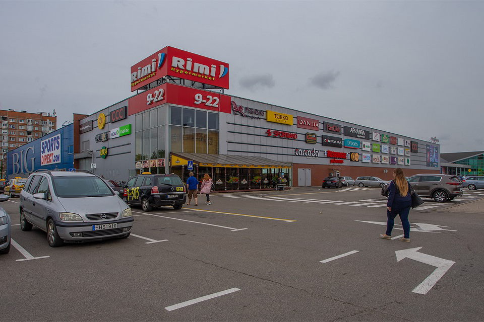 В Литве открываются тороговые центры, уличные кафе, спортклубы и кинотеатры