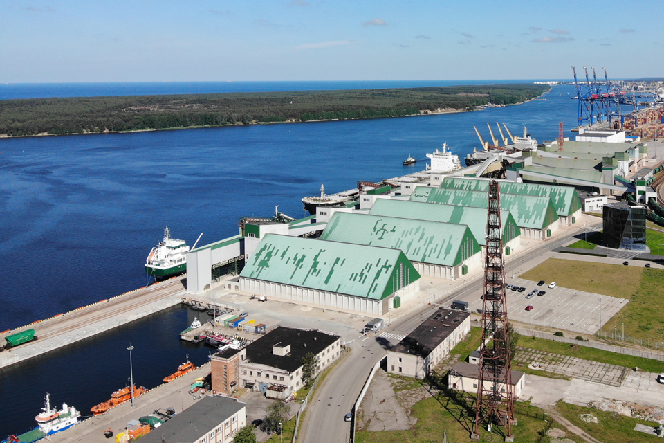 Портовики отреагировали на решение белорусов приостановить экспорт нефтепродуктов через Клайпеду