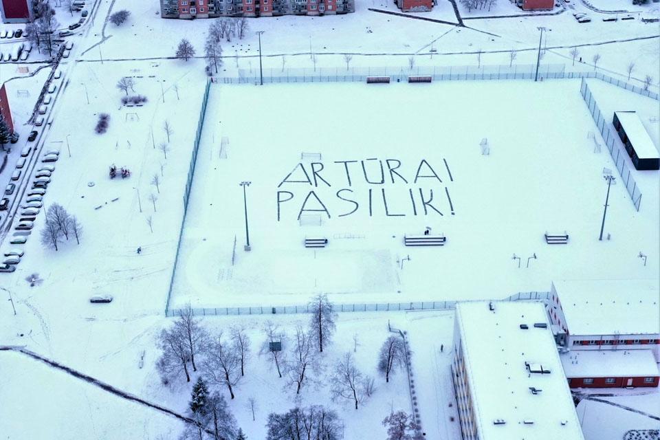 Iš pareigų besitraukiančiam A. Bogdanovui – prašymas ant sniego