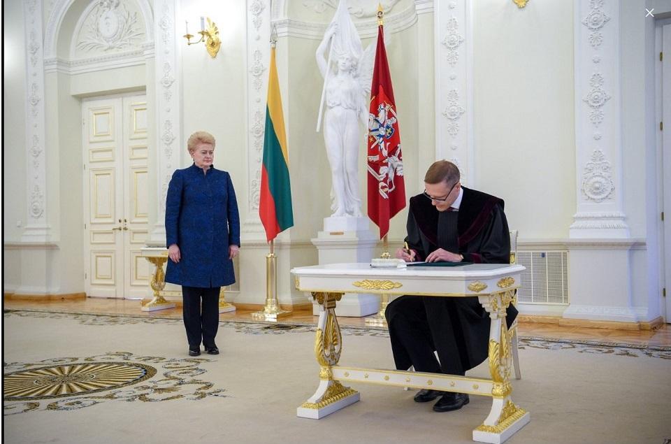 Prisiekė naujasis Klaipėdos apygardos teismo teisėjas