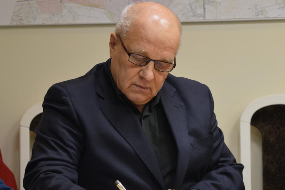 Rašytojui V. Čepui – nemalonumai dėl naujausios knygos: į teismą padavė G. Jacka