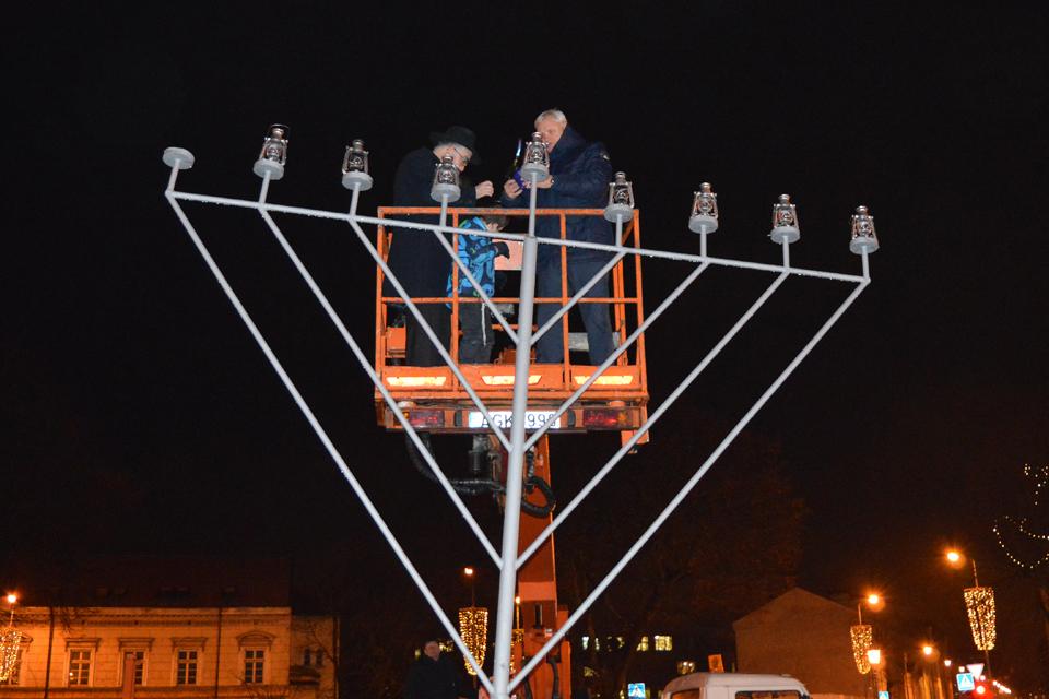 Klaipėdos žydai uždegė Menorą