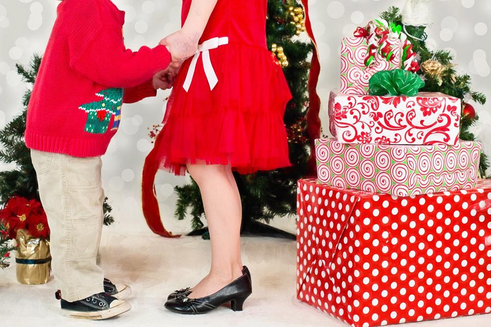 Padovanok kitam vaikui Kalėdas