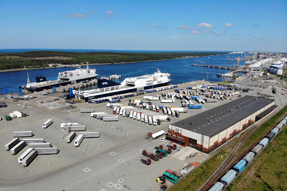 Centriniame Klaipėdos terminale jau gali švartuotis ilgesni laivai