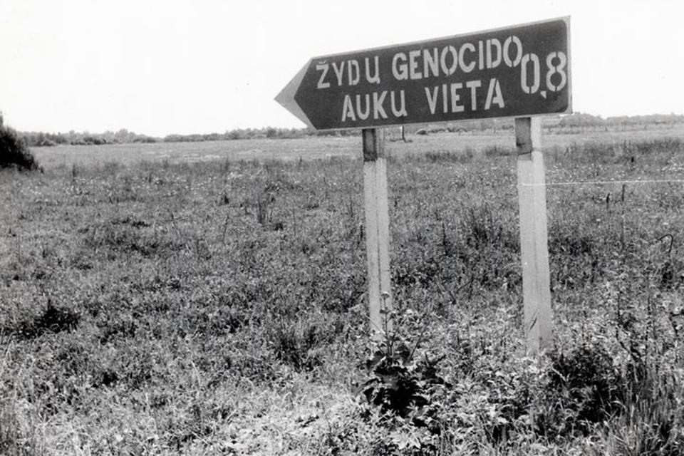 Kas iškraipo istoriją ir bijo tiesai pažiūrėti į akis, kai kalbama apie holokaustą?