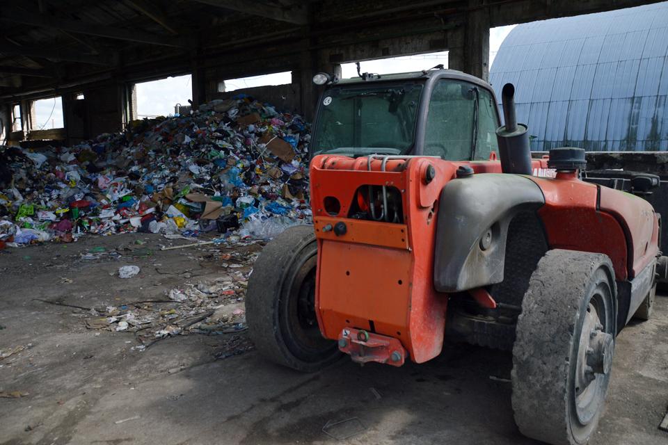Iškels ir buvusio antrinių atliekų sąvartyno likučius