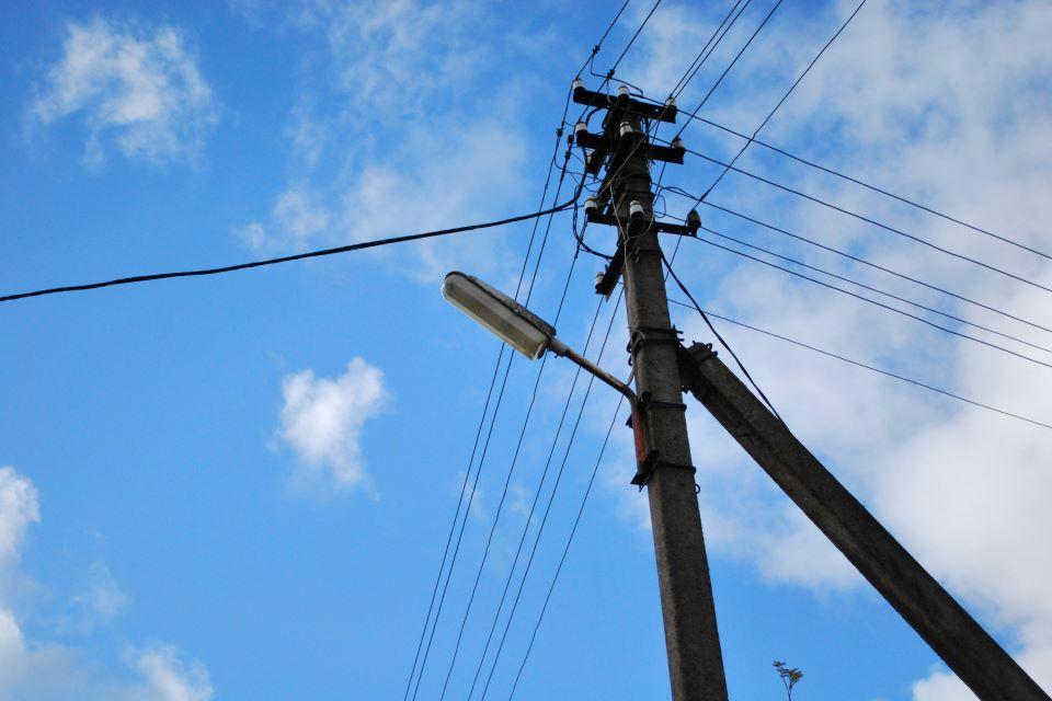 Gyventojų klausimams dėl elektros tiekėjų  – speciali telefono linija