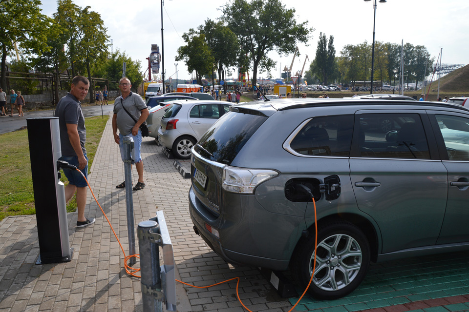 Elektromobilių stotelėms įrengti – ES parama
