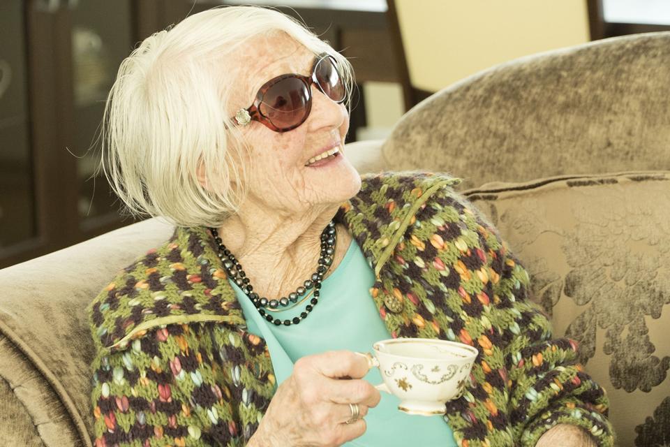 Šimtametė šilutiškė ragina mylėti gyvenimą ir žmones