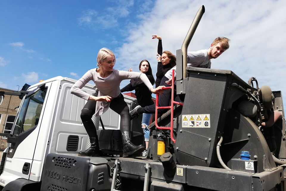Pasaulinio vandenyno dienos proga – meninė ekologinė akcija Klaipėdos gatvėse