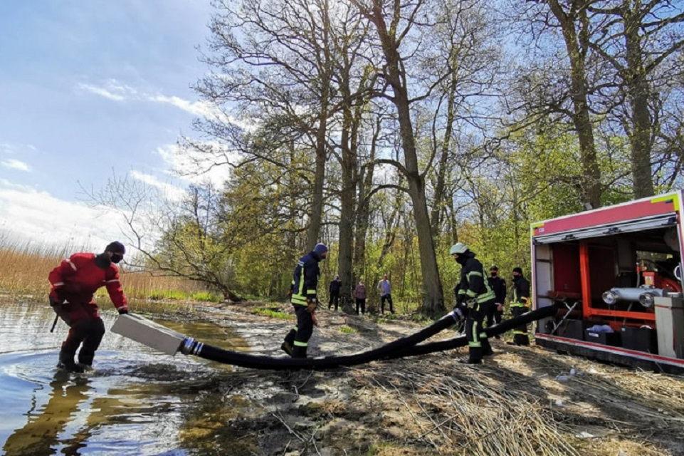 Kuršių nerijoje – bendros ugniagesių ir miškininkų pratybos