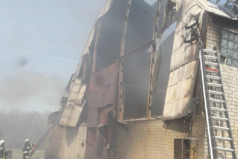 Dituvoj apdegė namas, Šilutės rajone – šienas