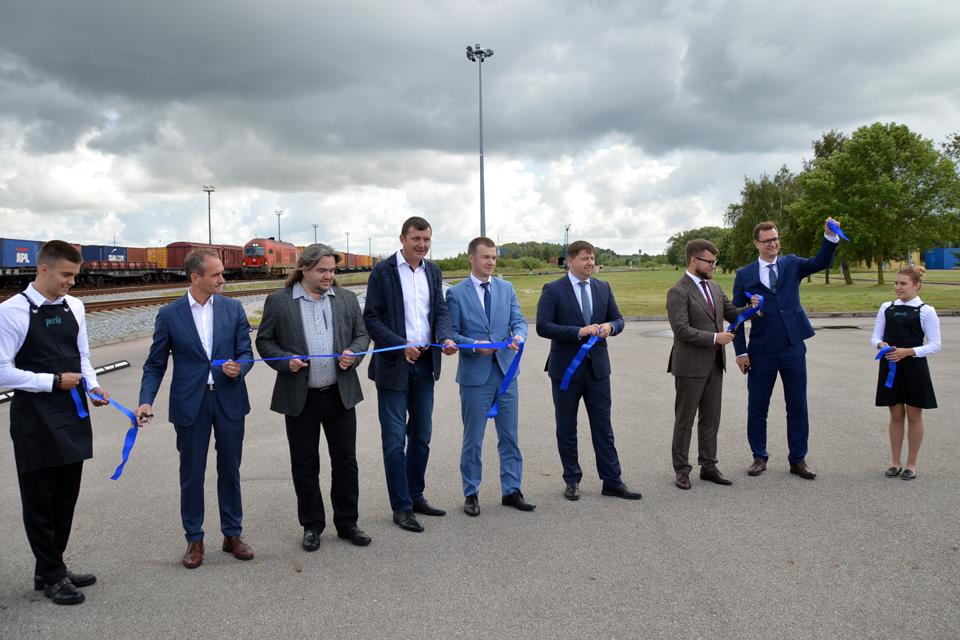 Startavo naujas konteinerius gabenančių traukinių maršrutas į Kijevą