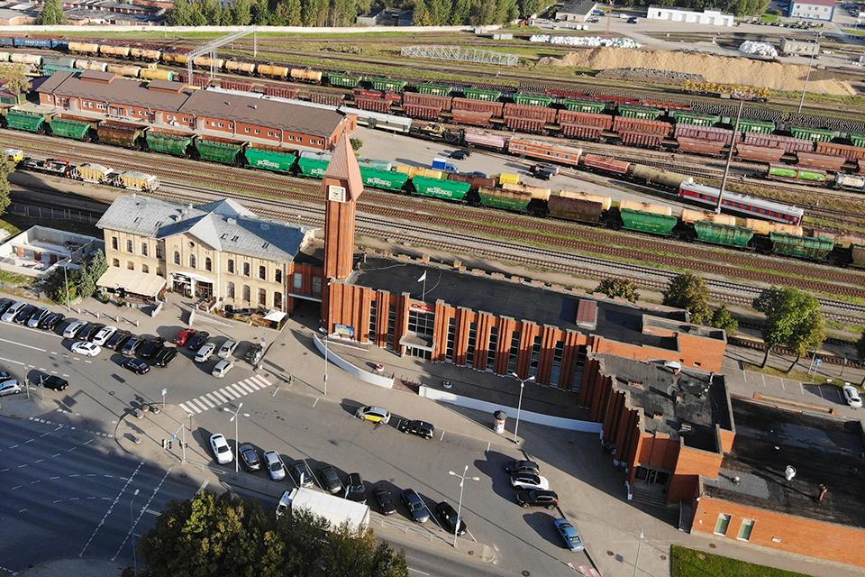 Klaipėdos geležinkelio stoties peronai paskelbti nerūkymo zona